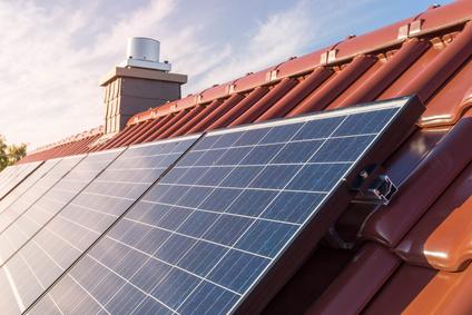 ob sich wohl eine solaranlage auch auf meinem dach lohnt. Black Bedroom Furniture Sets. Home Design Ideas